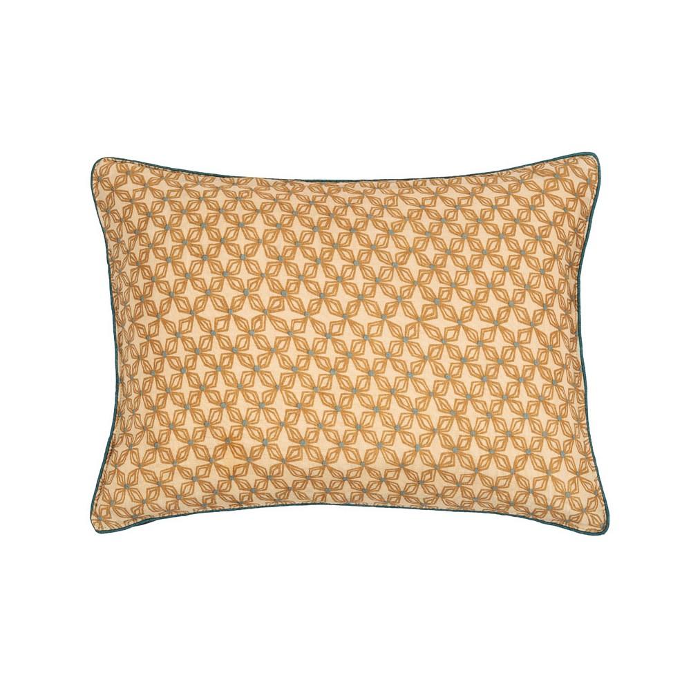 Housse de coussin rectangulaire Origami beige en soie Le Monde ...