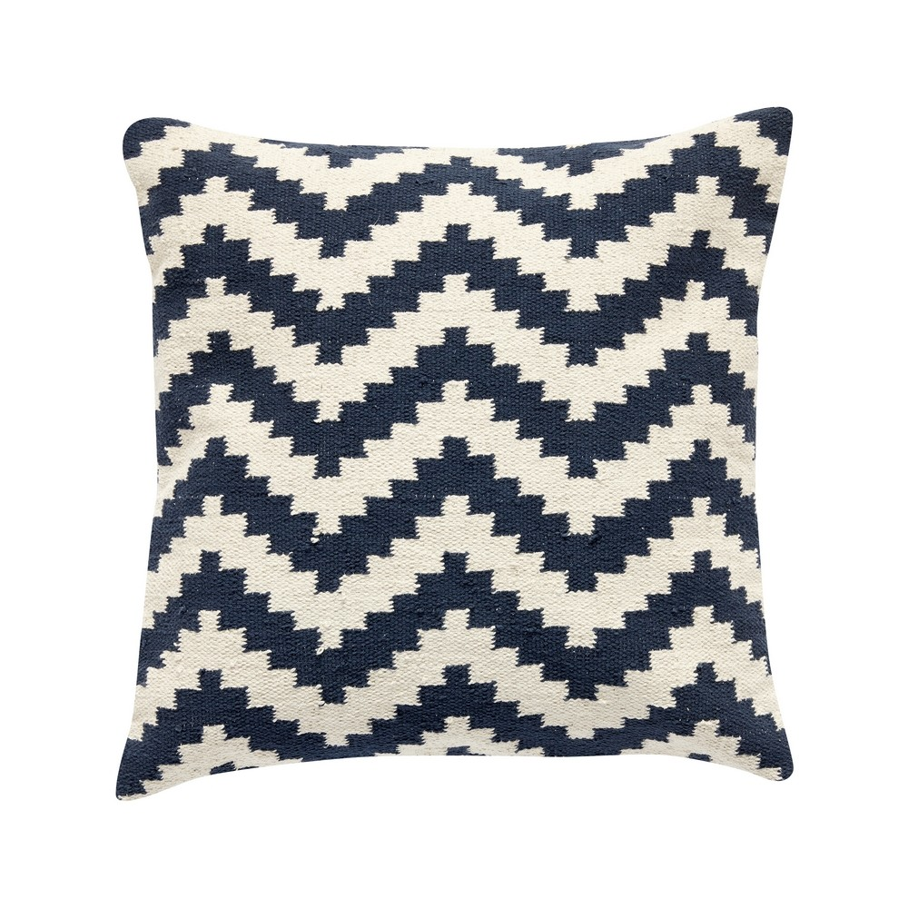 coussin carr bleu marine et blanc motif zigzag coussins shop. Black Bedroom Furniture Sets. Home Design Ideas