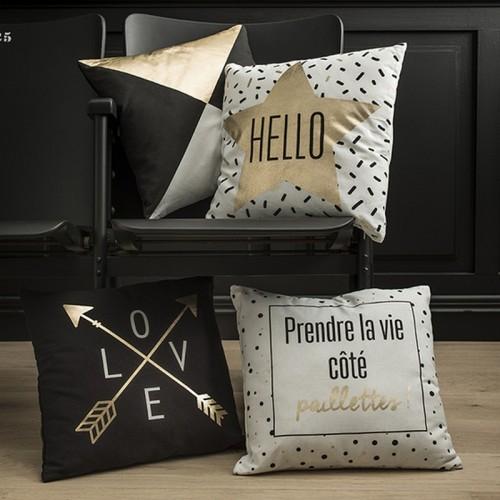Coussin carré noir à motifs dorés